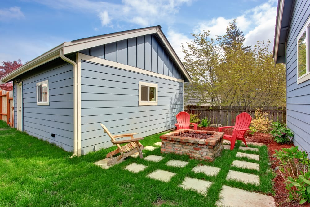 Back yard of granny flat with outdoor seating